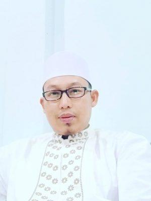 Dr. Tgk. Riyandi, MA